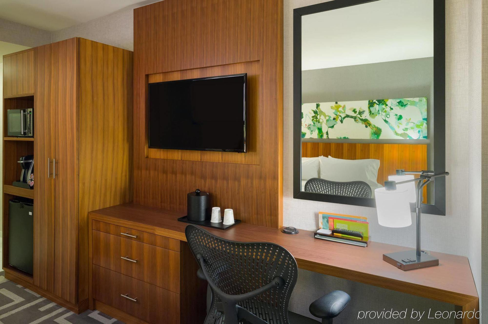 photos details - Hilton Garden Inn Central Park South